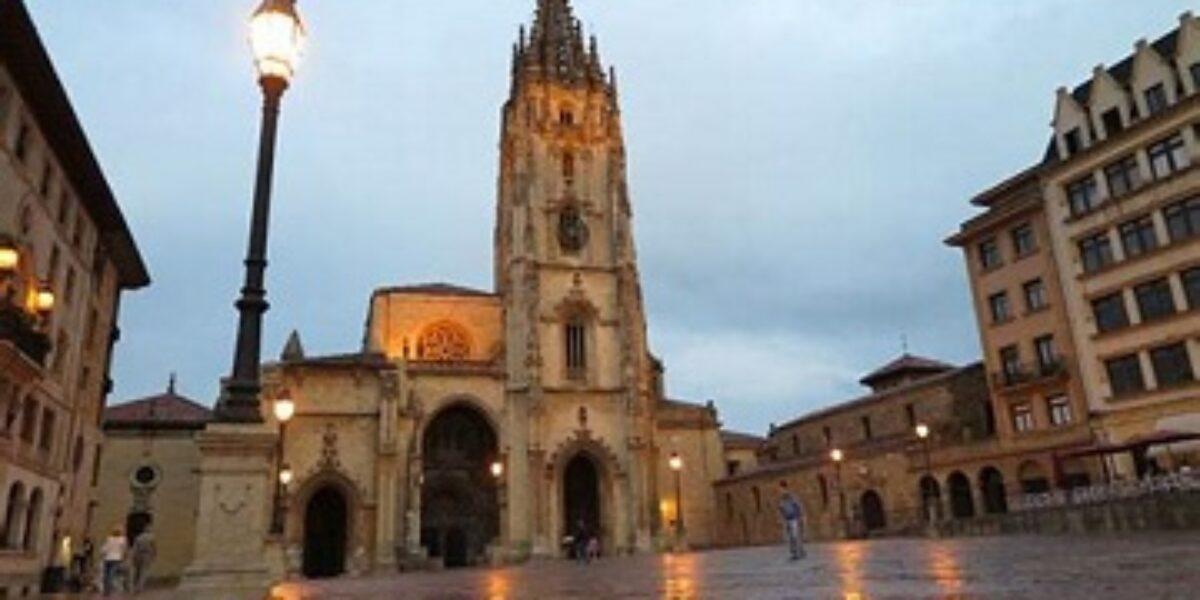 El Colegio organizará una visita teatralizada por el casco histórico de Oviedo el 15 de diciembre