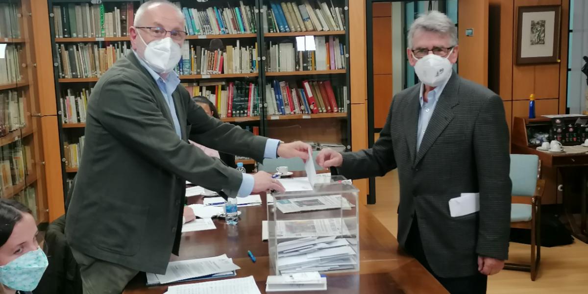 Joaquín Antonio Suárez Colunga reelegido presidente del Colegio de Aparejadores de Asturias